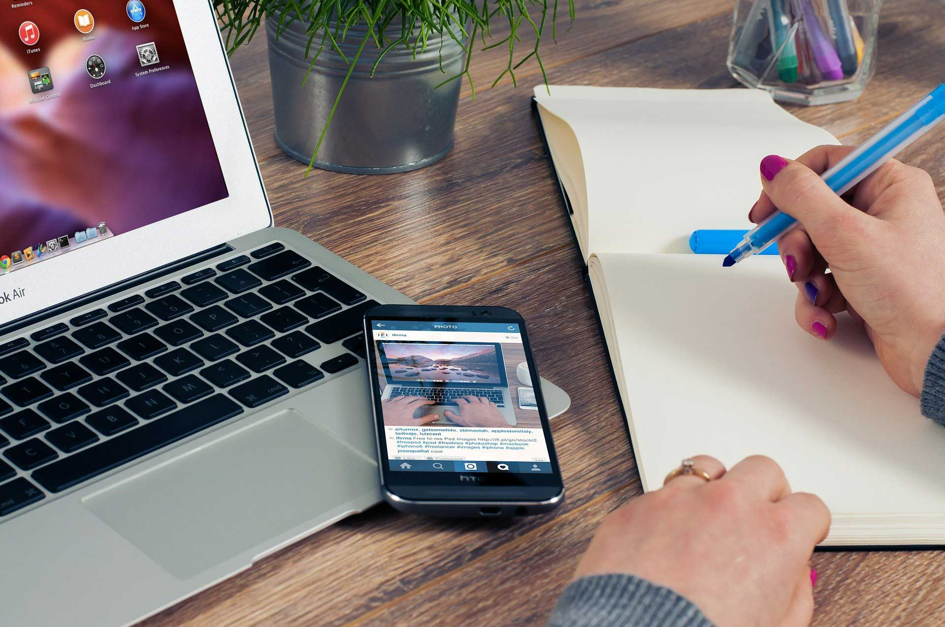 5 Reasons to Have a Blog on Your Website